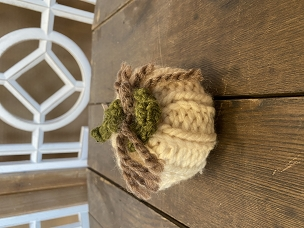 White Small Knit Braided w/ Leaves Chunky Yarn Pumpkin